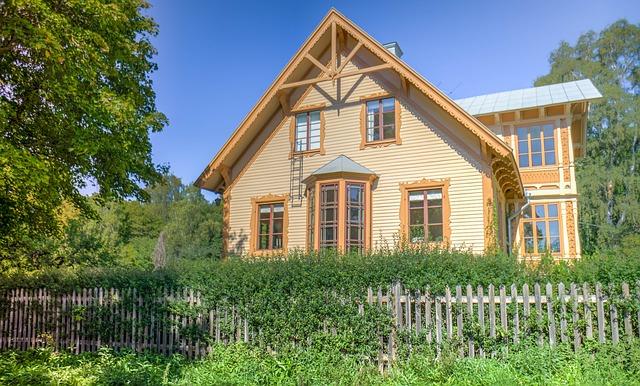 plot, zahrada, dřevěný dům