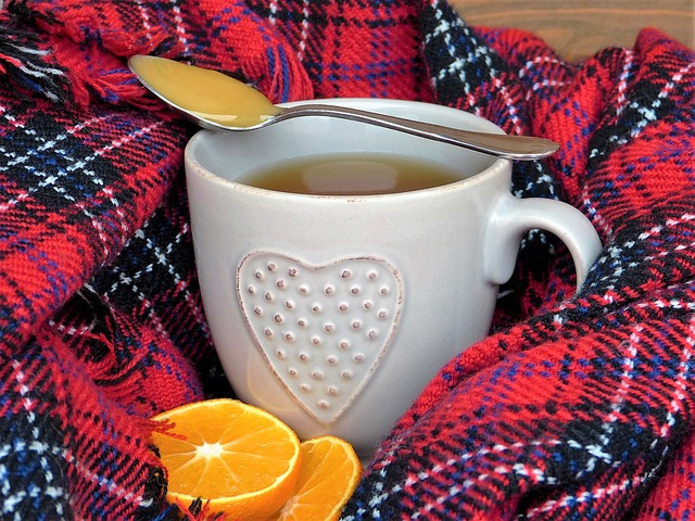 lžička medu na čaji